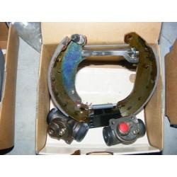 kit frein arriere 180x30 montage bosch peugeot 206