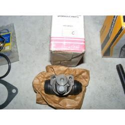 cylindre de roue arriere frein citroen ami 6 de 61 à 63 diametre 17,5mm