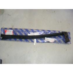 Joint porte supérieur droit fiat punto cabriolet de 94 à 2000