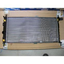 Radiateur moteur refroidissement opel kadett E dont combo 1,6 1,8 boite vitesse automatique