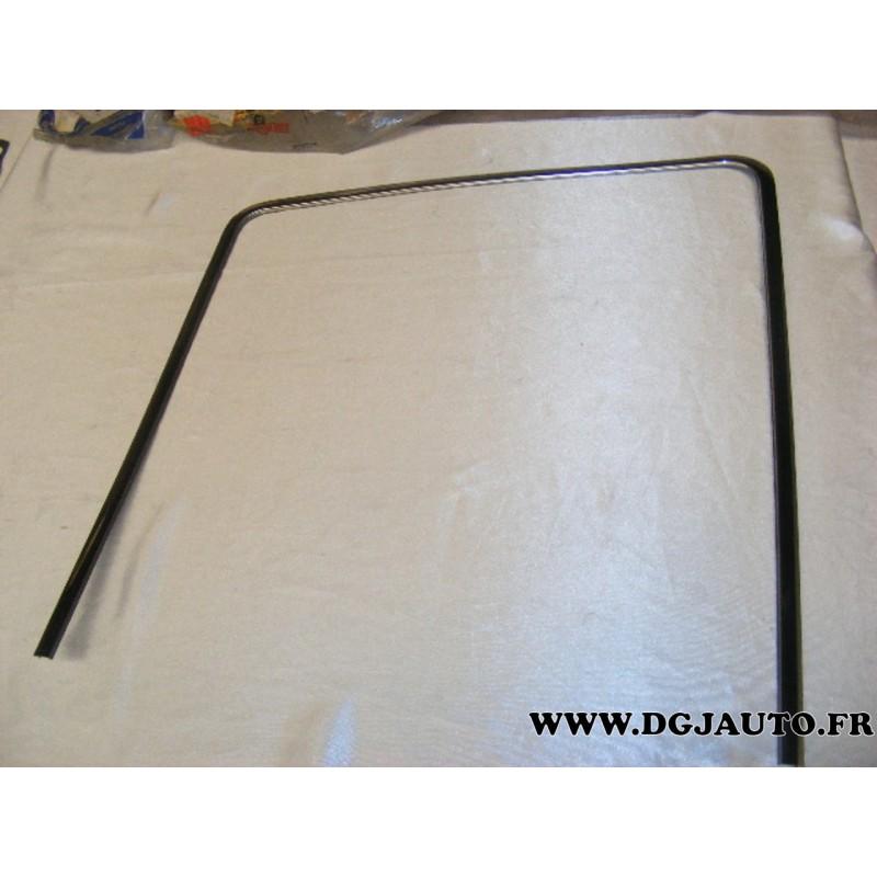 moulure baguette chrome contour de vitre glace pour lancia. Black Bedroom Furniture Sets. Home Design Ideas