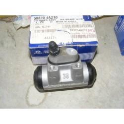 cylindre roue hyundai H1 satellite 2,5TD crdi