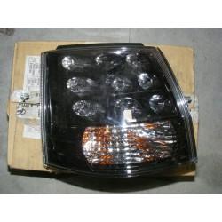feu mitsubishi delicia cargo (rayure voir photo)