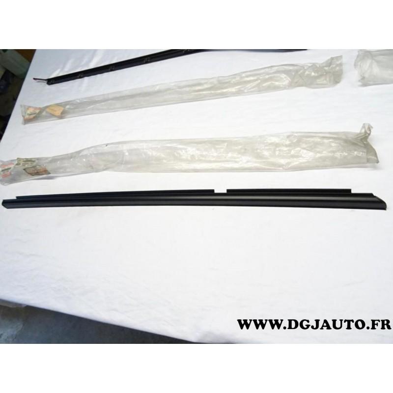 Joint leche vitre exterieur porte arriere gauche 83840 for Porte vitre exterieur