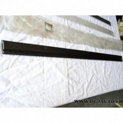 Baguette moulure de porte avant gauche 90262930 pour opel vectra A (pas GSI ni 2000)