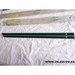 Baguette moulure de porte arriere droite liseret turquoise 90510324 pour opel astra F 5 portes dont break